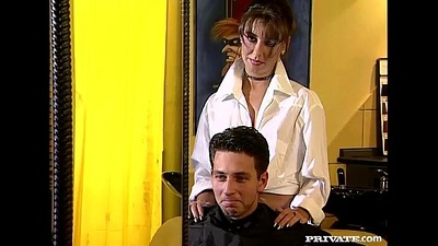 Maria Bellucci is a Horny Hairdresser At hand an Anal Fetish