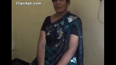 Indian desi teacher aunt piracy and engulfing dick be advisable for their way co-worker MMS - Indian Sex Clips