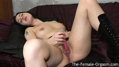 Hairy Babe with Big Wet Pink flaps Bates and Cums