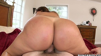 Chubby Ass Does Ill-treatment