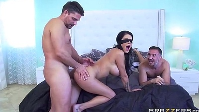 Slutty wed cuckold blindfolded http://porncatch.com/pornstarslikeitbig-pass-p