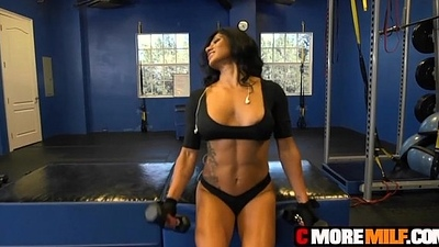 Sexy MILF gym renegade Xo Rivera gets obese locate and a unalloyed wield