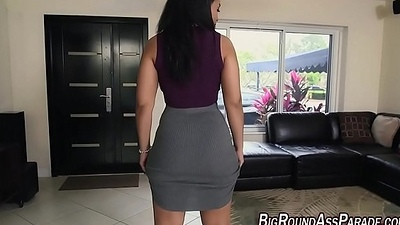 Huge booty babe in arms fucked