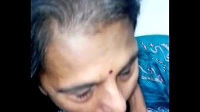 matured punjabi aunty sucking prettily
