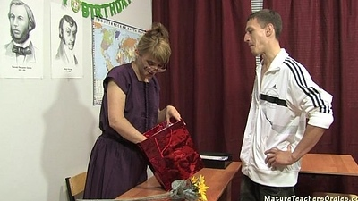 Russian mature tutor 11 - Elise (teacher'_s day)