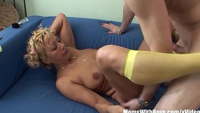 Effectual Granny Engulfing Added to Shagging Youthful Cock